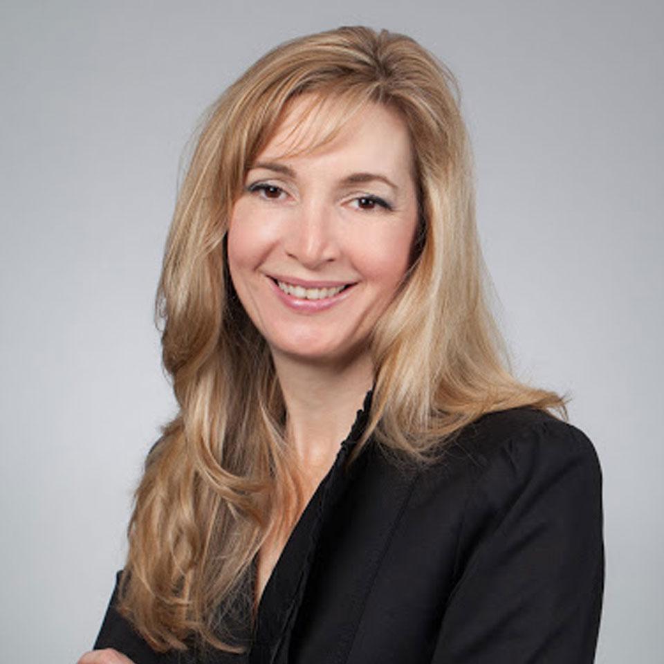 Andrea Waltz Profile Headshot