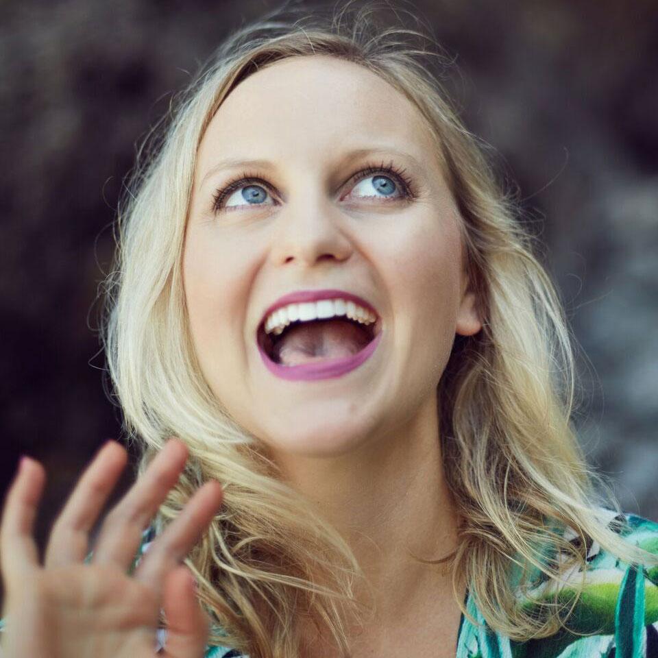Jenna Webb Profile Headshot