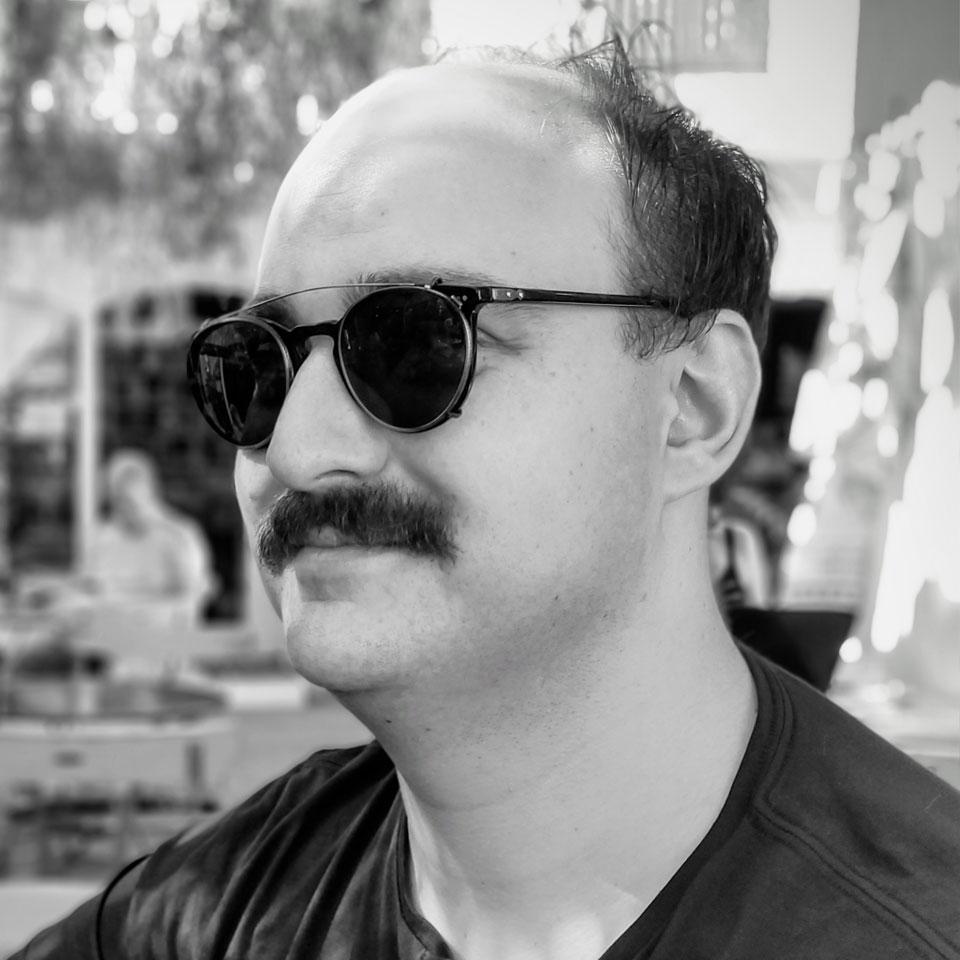 Simon Marcus Profile Headshot