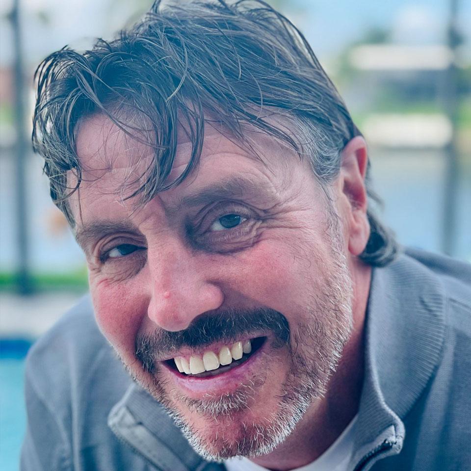 Scott Sunderland Profile Headshot