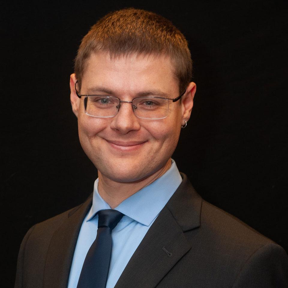 Dr. Gleb Tsipursky Profile Headshot