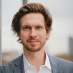 Dr. Christian Busch Profile Headshot